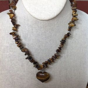 VTG CHIPPED STONE FAT HEART NECKLACE